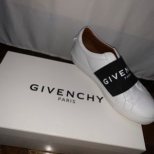 Givenchy sneakers 100% authentic!